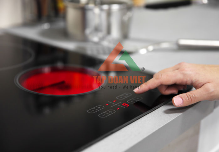 Sửa bếp từ mắc lỗi E4 hiệu quả - Tập Đoàn Việt