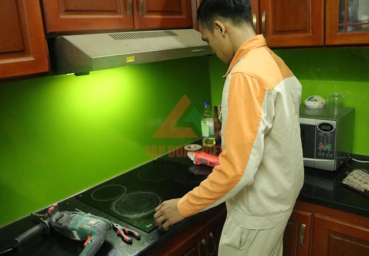 Tập Đoàn Việt khắc phục sự cố bếp từ ichef