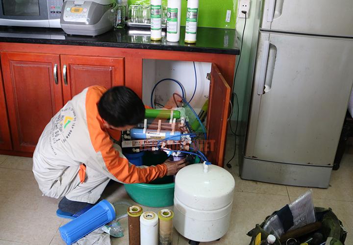 Thợ thay lõi lọc nước tại Hà Đông