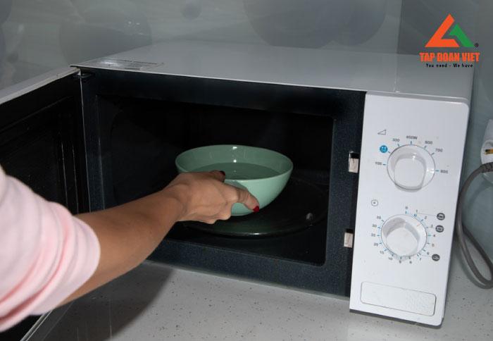 Lưu ý khi sử dụng lò vi sóng tại nhà sao cho hiệu quả và an toàn
