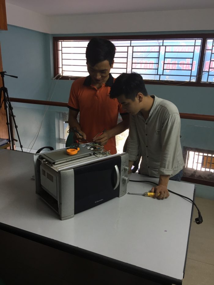 Sửa chữa lò vi sóng tại Tập Đoàn Việt
