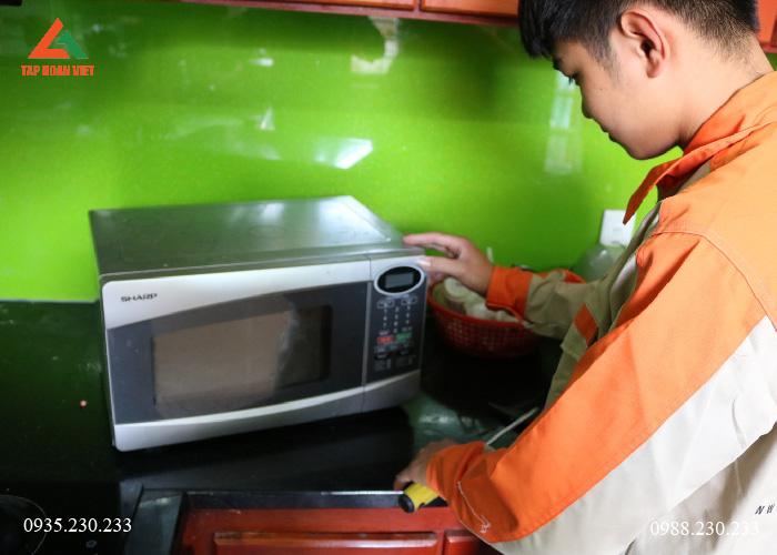 Tập Đoàn Việt - dịch vụ sửa chữa lò vi sóng chất lượng hàng đầu
